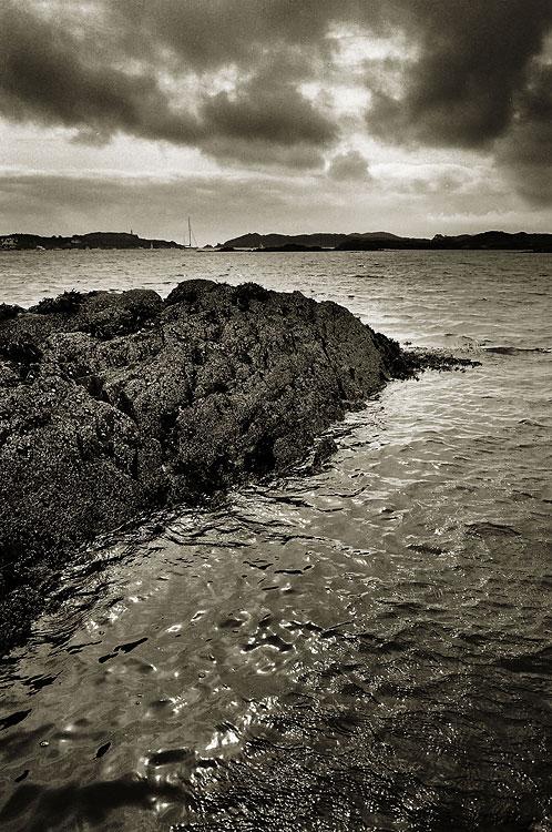 Rinn Ghearróige Island, Corcaigh, Éire (Ringarogy Island, Cork, Ireland), by DaveBulow
