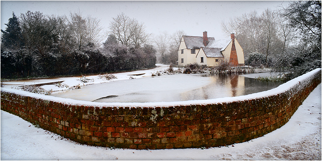 Willy Lott's House, Flatford, in the snow, by DaveBulow