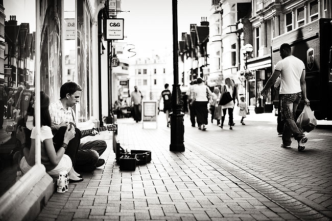 Busking in Ipswich Town Centre, by DaveBulow