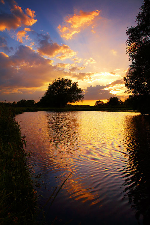 River Stour Sunset, near Flatford, by DaveBulow